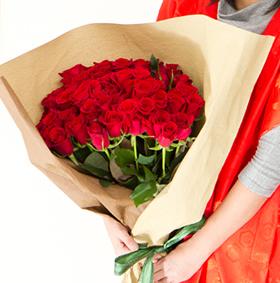 還暦のお祝いの60本のバラの花束