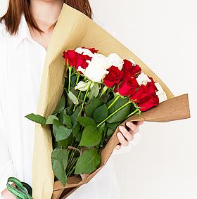金婚式・銀婚式のお祝いのバラの花束